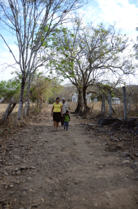 Somoto-school-donation-Quetzaltrekkers-Nicaragua (12)