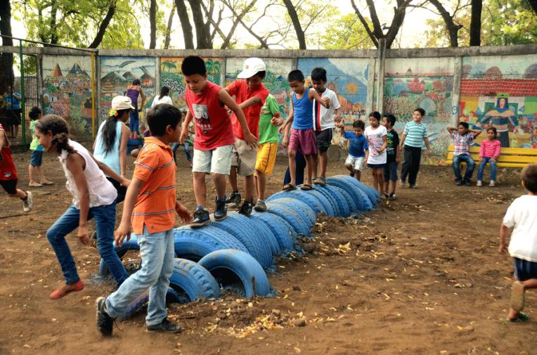 Construction playground Nicaragua - Quetzaltrekkers Leon nonprofit