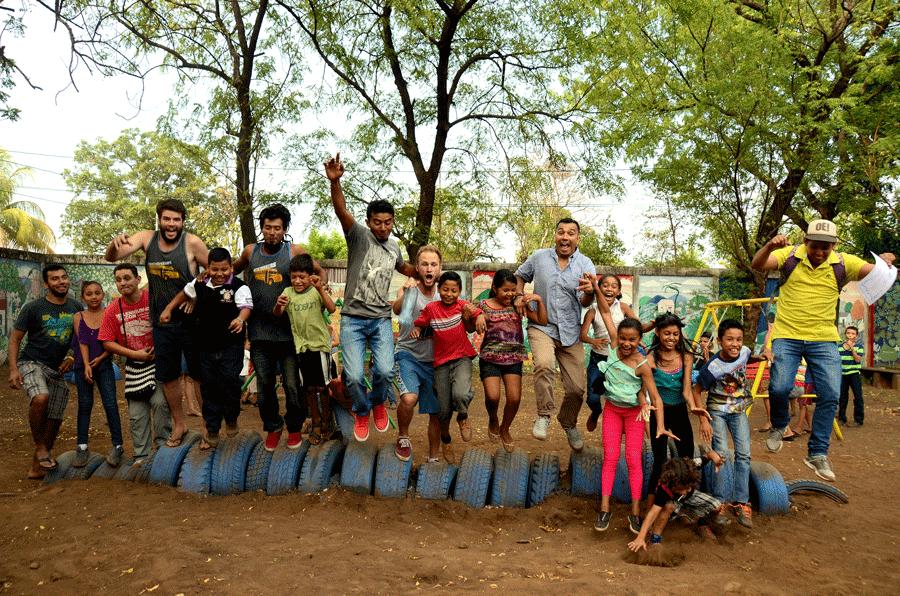 School Playground contruction | Quetzaltrekkers Nicaragua | #volunteering