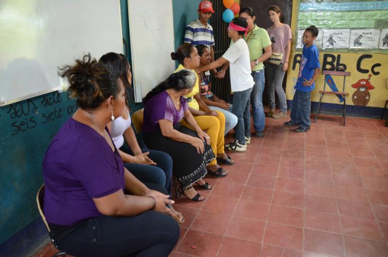 Mother day celebration - Quetzaltrekkers Nicaragua (1)