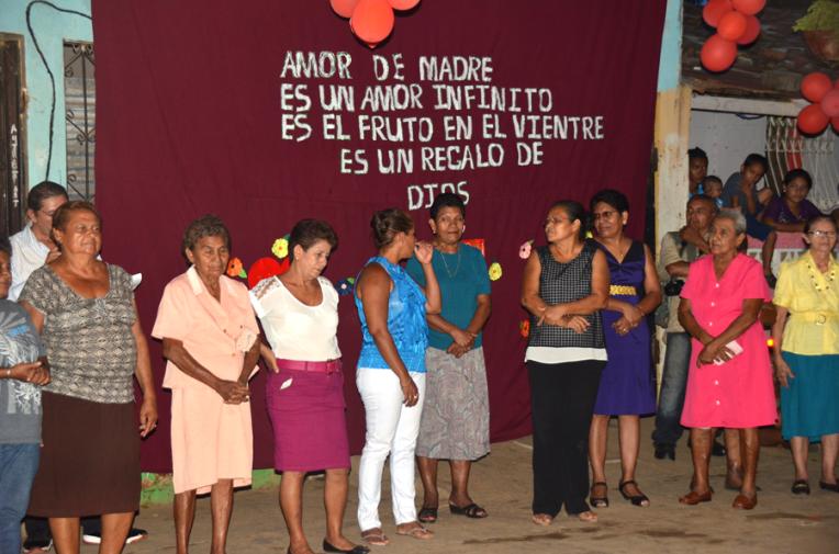 Mother day celebration - Quetzaltrekkers Nicaragua (10)
