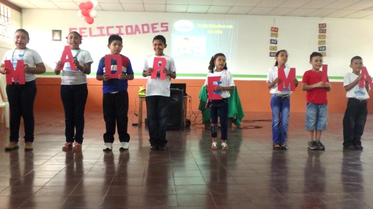 Mother day celebration - Quetzaltrekkers Nicaragua (12)