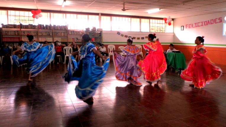 Mother day celebration - Quetzaltrekkers Nicaragua (13)