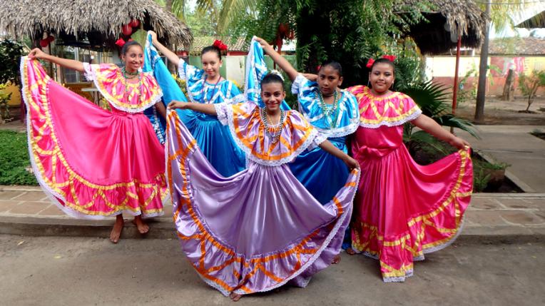 Mother day celebration - Quetzaltrekkers Nicaragua (14)