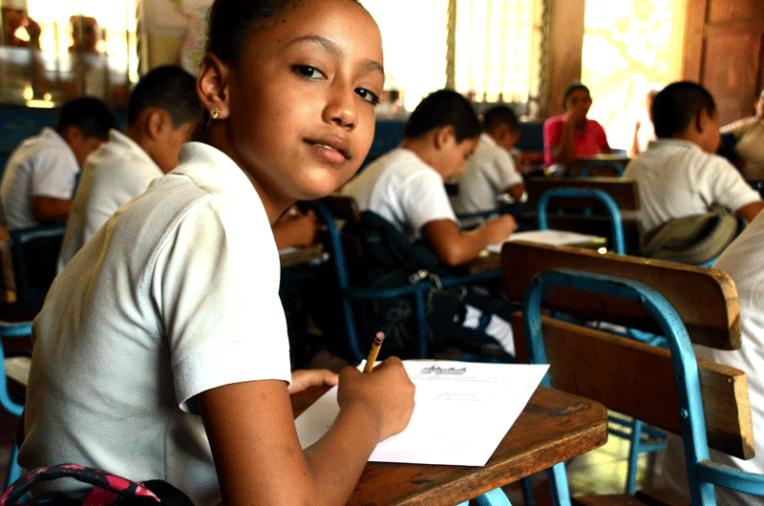 Quetzaltrekkers Nicaragua - Education non profit project (3)