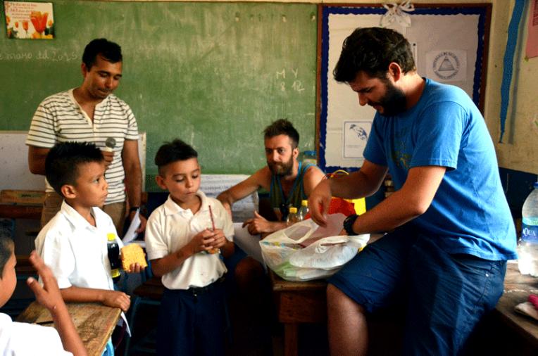 Quetzaltrekkers Nicaragua - Education non profit project (4)